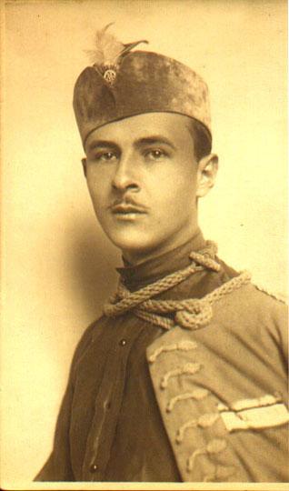 Андрей Алексеевич Зоц в форме Сокольского движения