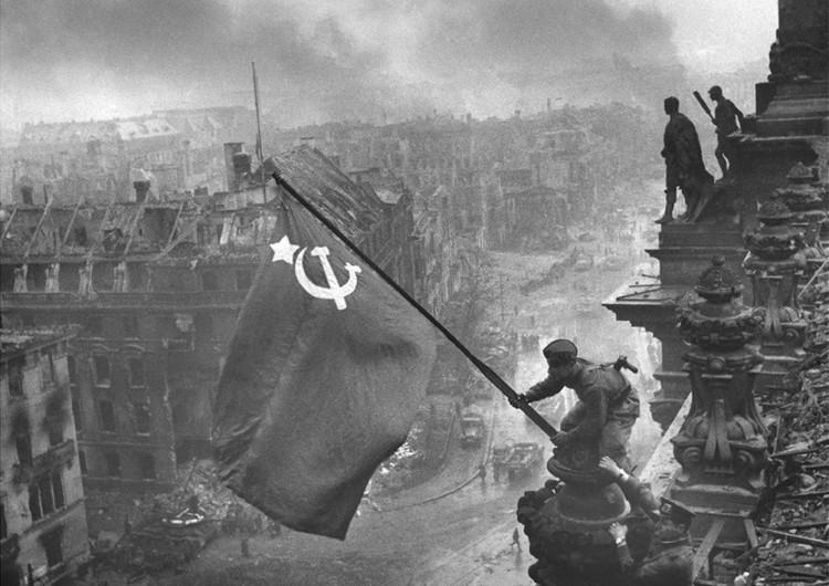 sovietflagberlin