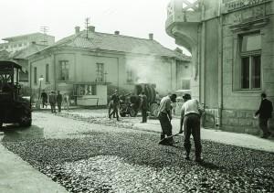 Асфалтирање улица 60-тих година