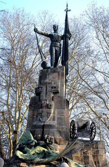 spomenik_i_kosturnica_braniocima_beograda_1914_1918