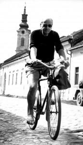 Коњовић у Сомбору на бициклу