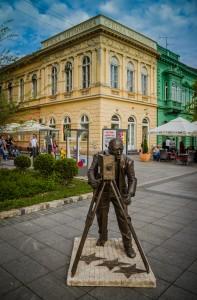 Споменик Ернесту Бошњаку на Главној улици