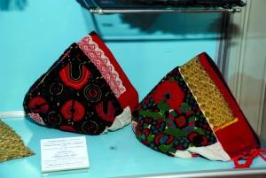 Šokačke ženske kape iz Sonte