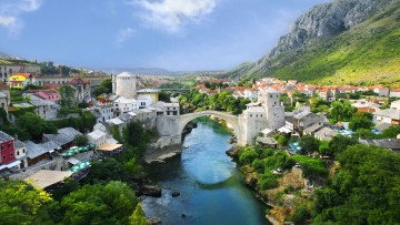 Mostar-Old-Town-Panorama-of-the-old-stone-bridge-over-the-Neretva-River-1920x1080