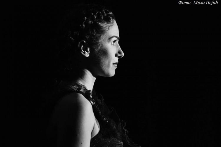 Teodora Marčeta u ulozi Ane Karenjine