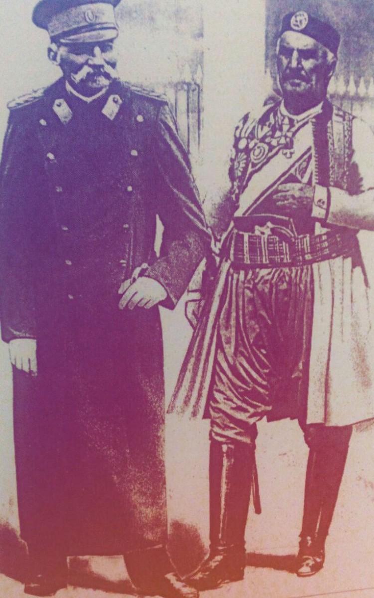 Краљ Петар и краљ Никола 1916. године  Извор: Црна Гора у очима Европе (Момир Марјановић)