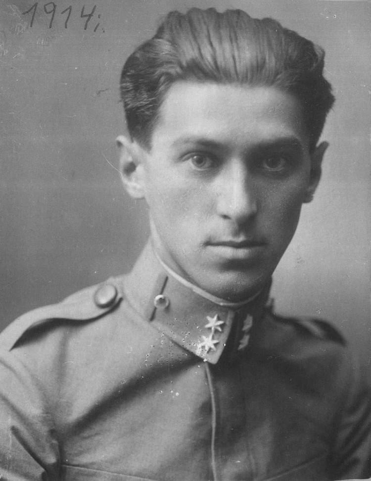 Фотографија Милоша Црњанског за време његове службе у аустроугарској војсци 1914. године. (Извор: Википедија)