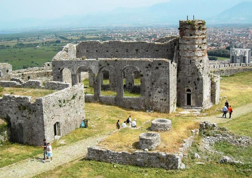 Скадарска тврђава, поглед на престону Саборну цркву Светог Стефана