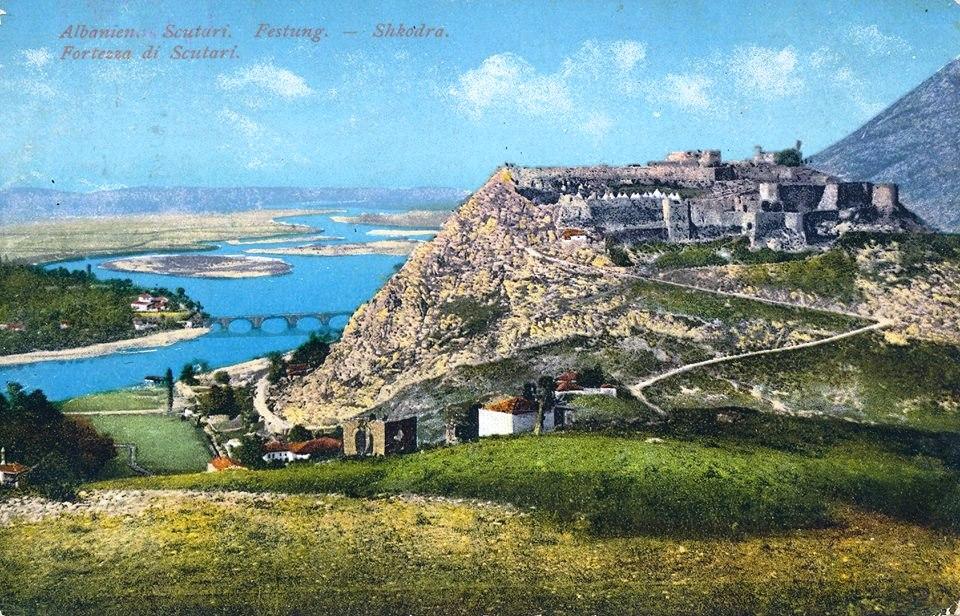 Стара разгледница скадарске Розафе. Срби су своју највећу тврђаву назвали Розафа по граду у Малој Азији у коме је мученички пострадао свети православни ратник Сергије (Свети Срђ).