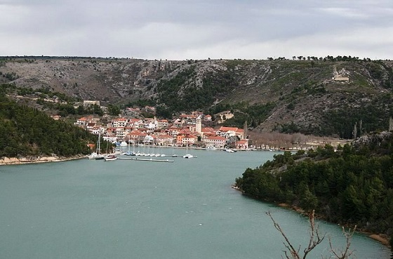 Панорама Скрадина (Извор: https://commons.wikimedia.org/wiki/File:Skradin_panorama.jpg)