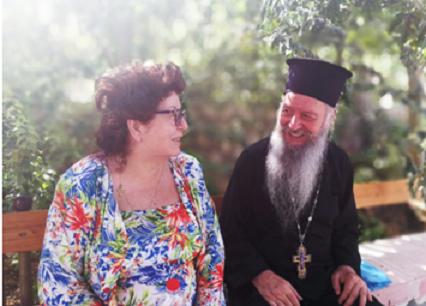 Sveštenik Srđan Janošević sa suprugom Vesnom