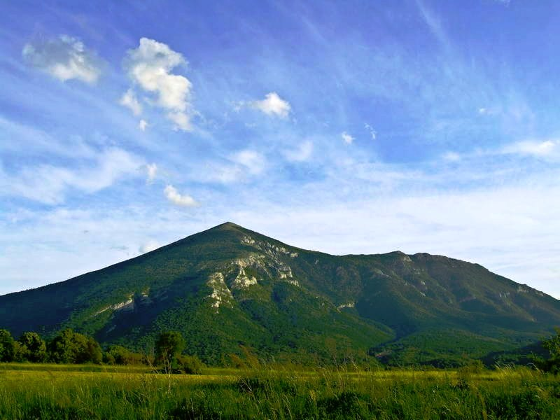 Ртањ (ФОТО: PRESS: Планинско-спортски клуб Балкан, http://pkbalkan.org/rtanj-super-sever-9-4-2017/)