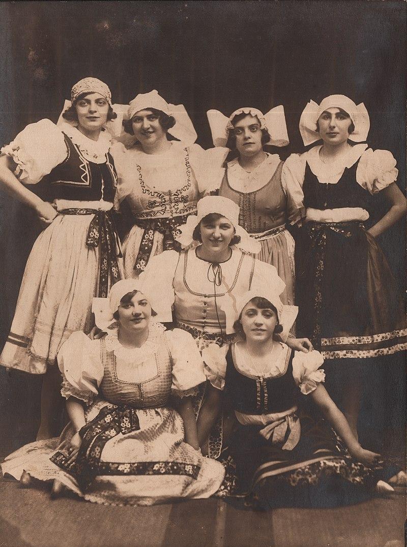 Kolo srpskih sestara 1925. godine (IZVOR: https://www.arhivpancevo.org.rs/)