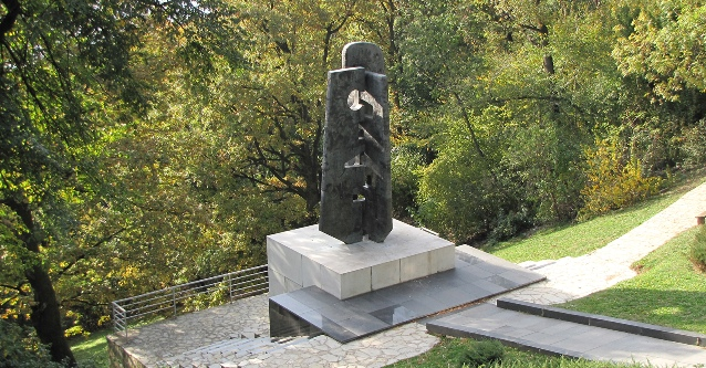 Avala_spomenik_sovjetskim_veteranima1