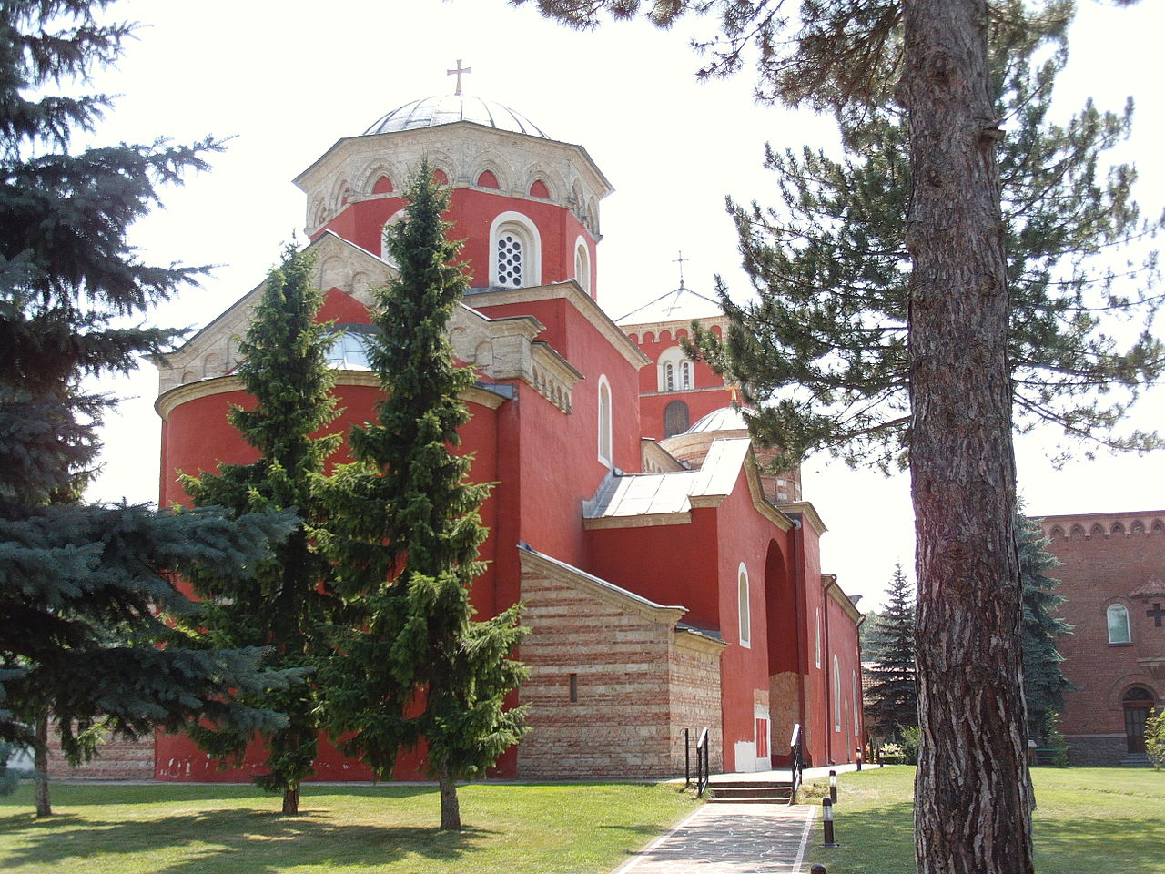 1280px-Žiča_Monastery,_overview._Near_Kraljevo,_Serbia